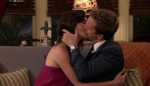Robin And Barney Hook Up First Time